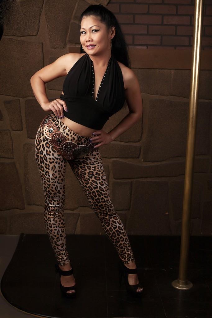 hooker-leopard-pants